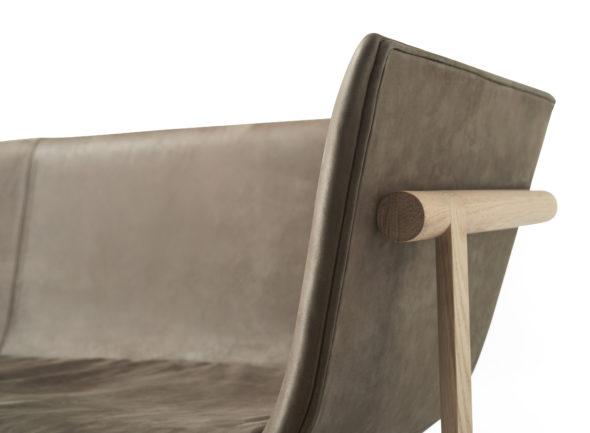 Sofa Tailoir cuir marron foncé détails