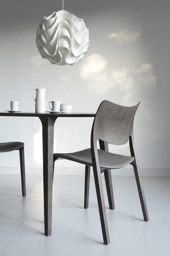 Chaise Laclasica frêne teinté gris cendré - STUA