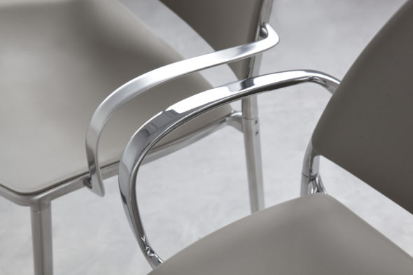 Chaise GAS polypropylène taupe - STUA